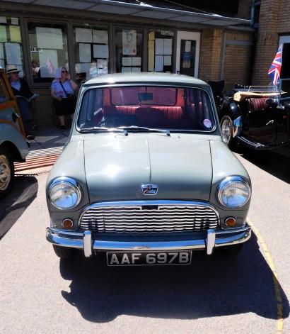 Retro Mini Classic Cars
